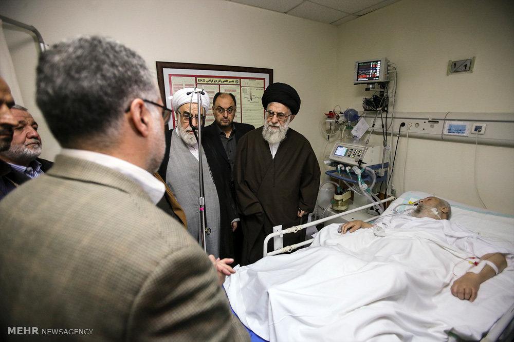 عیادت رهبر انقلاب اسلامی از آیت الله موسویاردبیلی