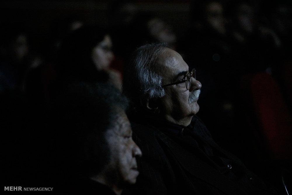 نشست نقد و بررسی فیلم یتیم خانه ایران