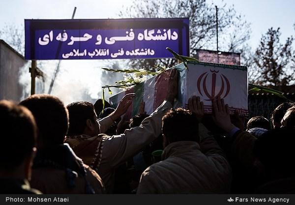 تشییع پیکر دو شهید گمنام در دانشکده فنی انقلاب اسلامی