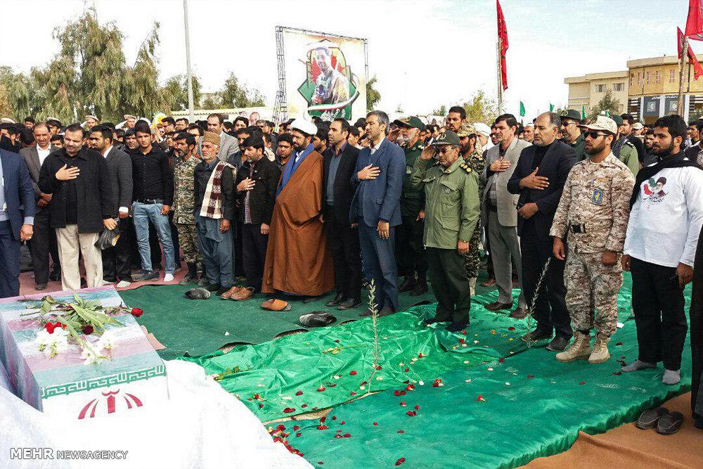 تشییع و تدفین پیکر ۲ شهید گمنام در دانشگاه آزاد اسلامی واحد زابل