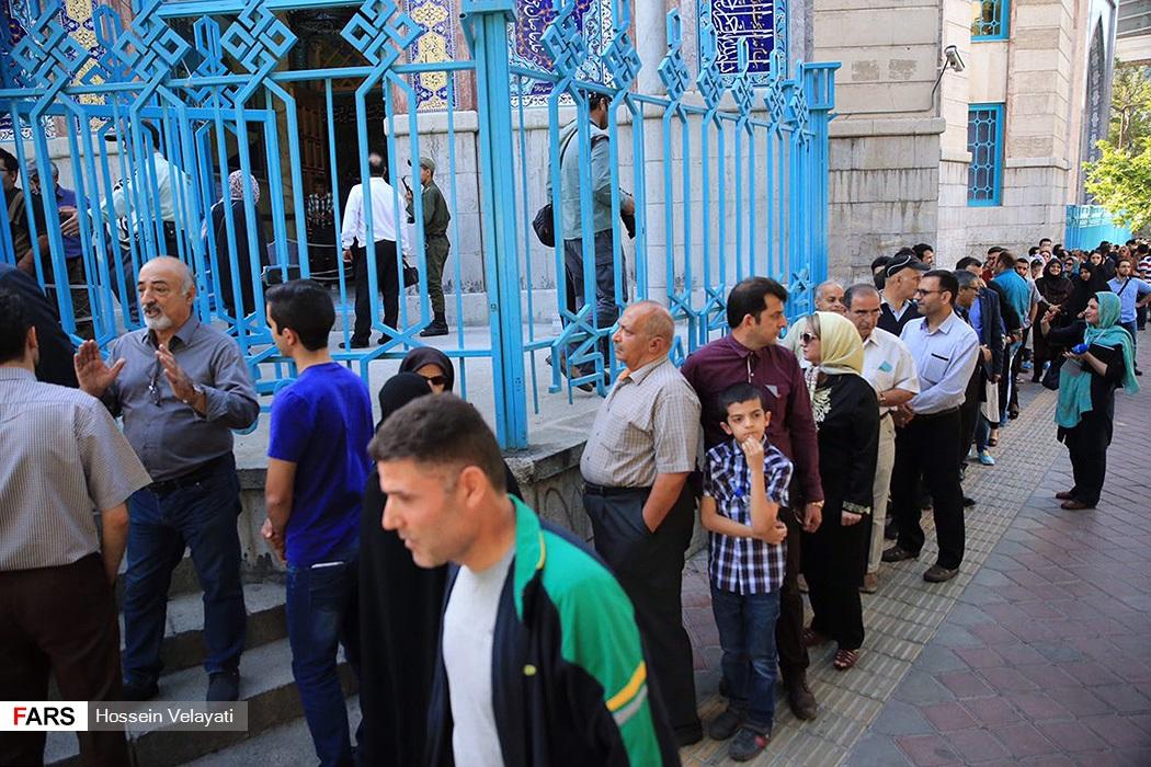 تصاویر انتخابات ریاست جمهوری و شورای شهر و روستا در حسینیه ارشاد