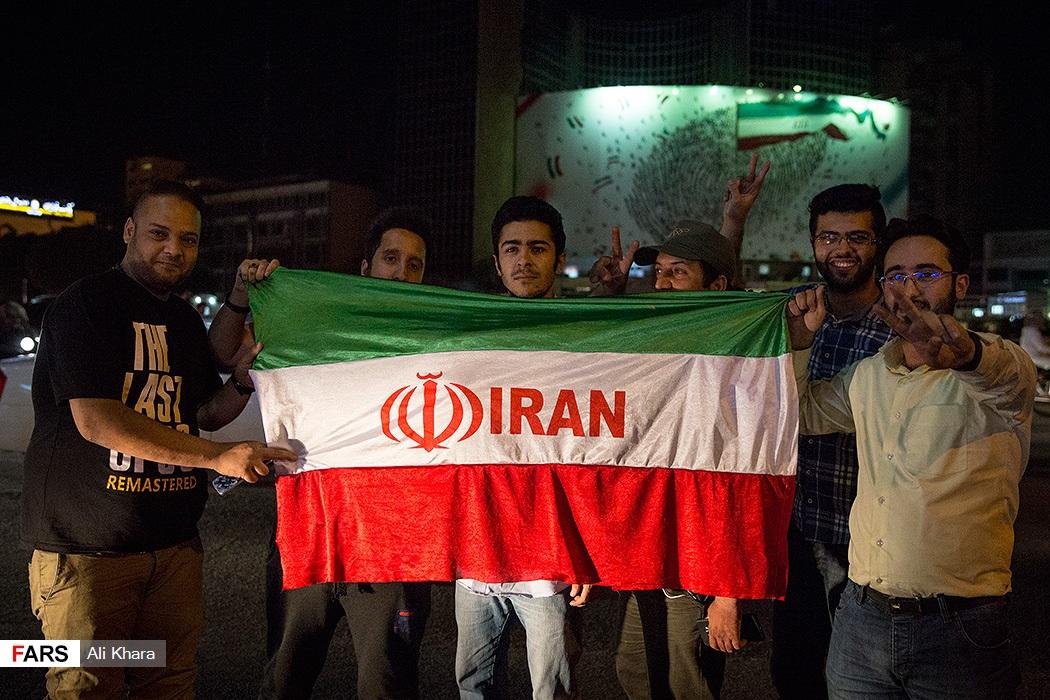 شادی مردم پس از صعود ایران به جام جهانی روسیه - ۲