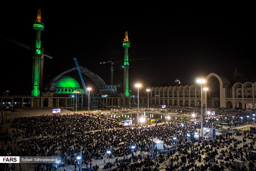 احیای شب بیست و یکم ماه رمضان در مصلی امام خمینی(ره)