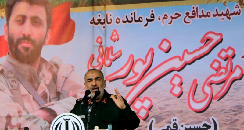 ملت ایران در برابر دشمنیها از کشور دفاع میکند