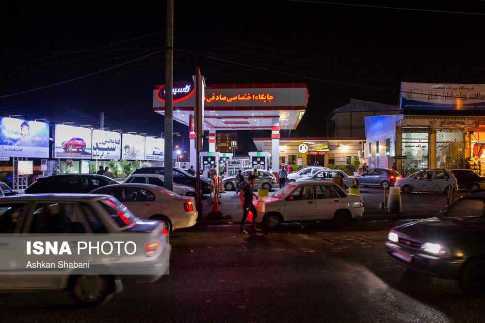شایعه قحطی «بنزین» در رشت/ تصاویر