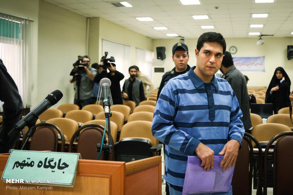 تصاویر دادگاه رسیدگی به پرونده متهم واردکننده موبایل