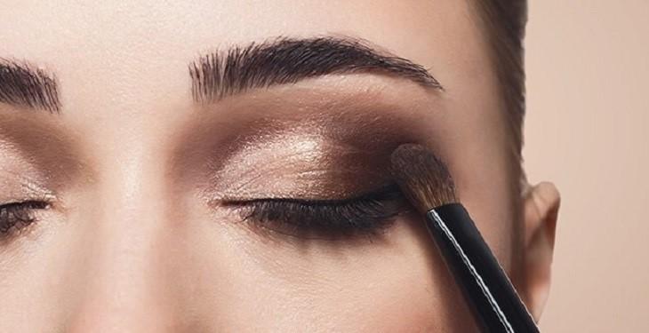چگونه چشم های ریز را آرایش کنیم تا درشت تر به نظر برسد؟