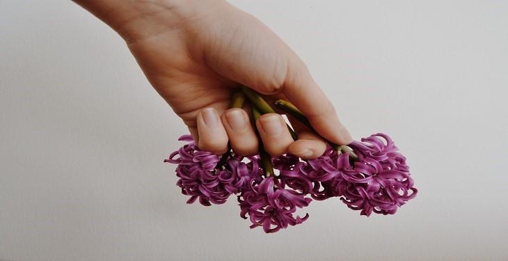 چگونه ناخن کوتاه خود را برای مجالس زیبا کنیم؟