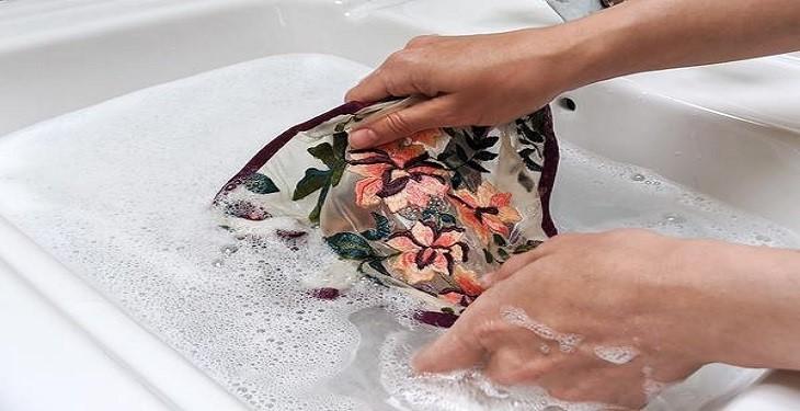 بهترین روش برای شستن لباس زیر و از بین بردن باکتری ها