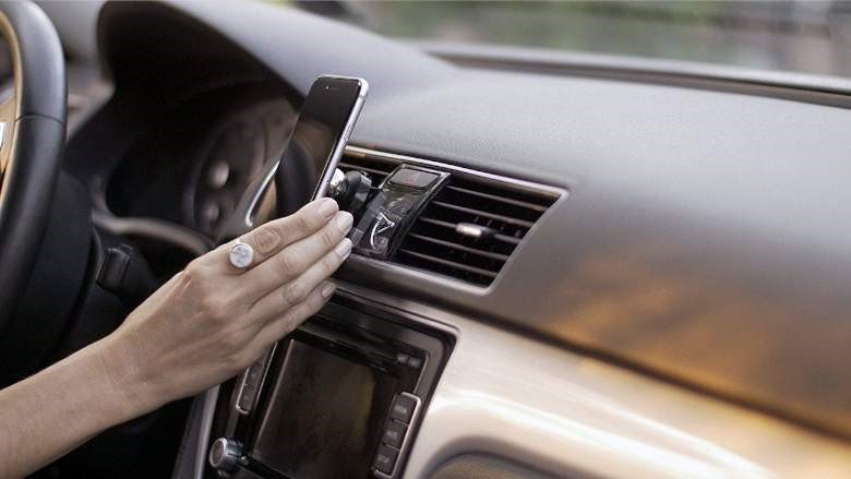 انواع هولدر موبایل برای ماشین و موتور
