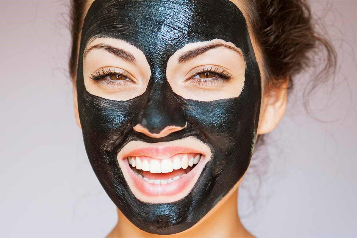 ماسک زغال Charcoal face mask