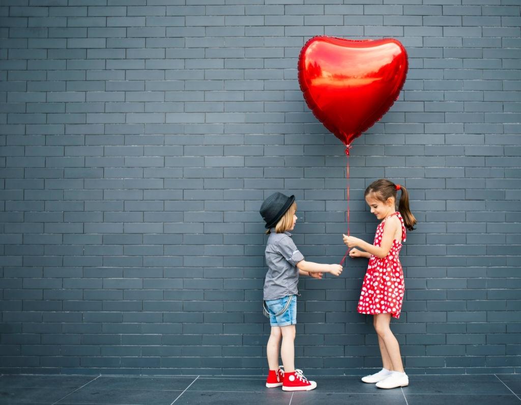 تصاویر بادکنک های عاشقانه سوپرایز روز عشق و ولنتاین