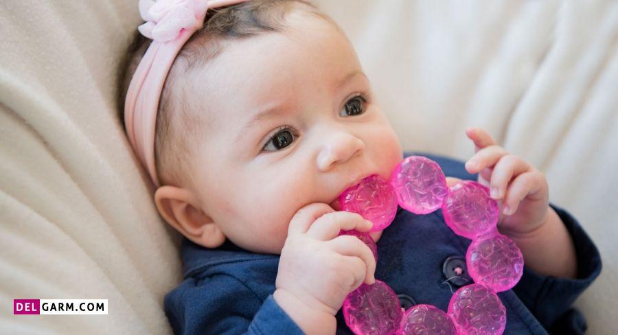 علائم دندان در آوردن نوزادان چیست؟