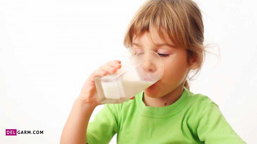 مضرات شیر بادام برای سلامتی کودکان