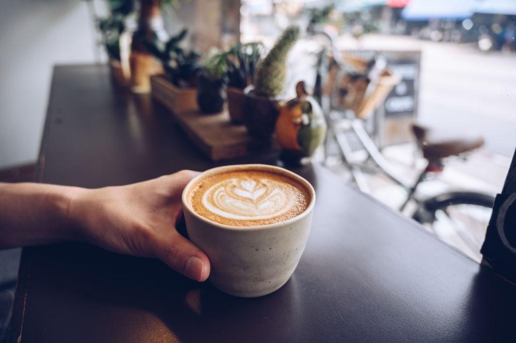 طرز تهیه قهوه دالگونا یا آیس کافی