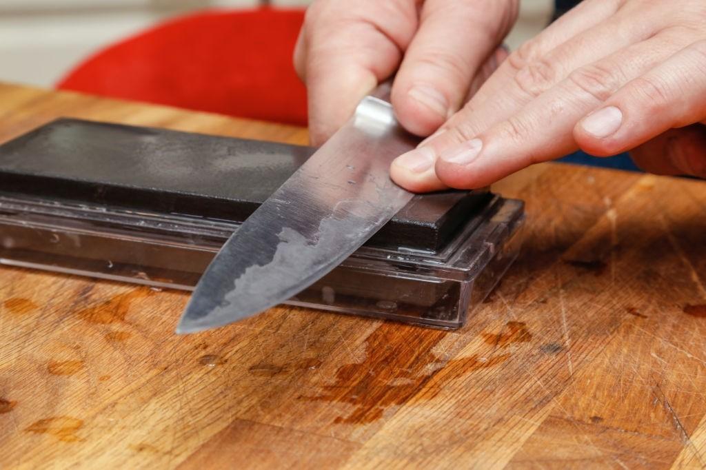 18 ترفند برای تیز کردن چاقو