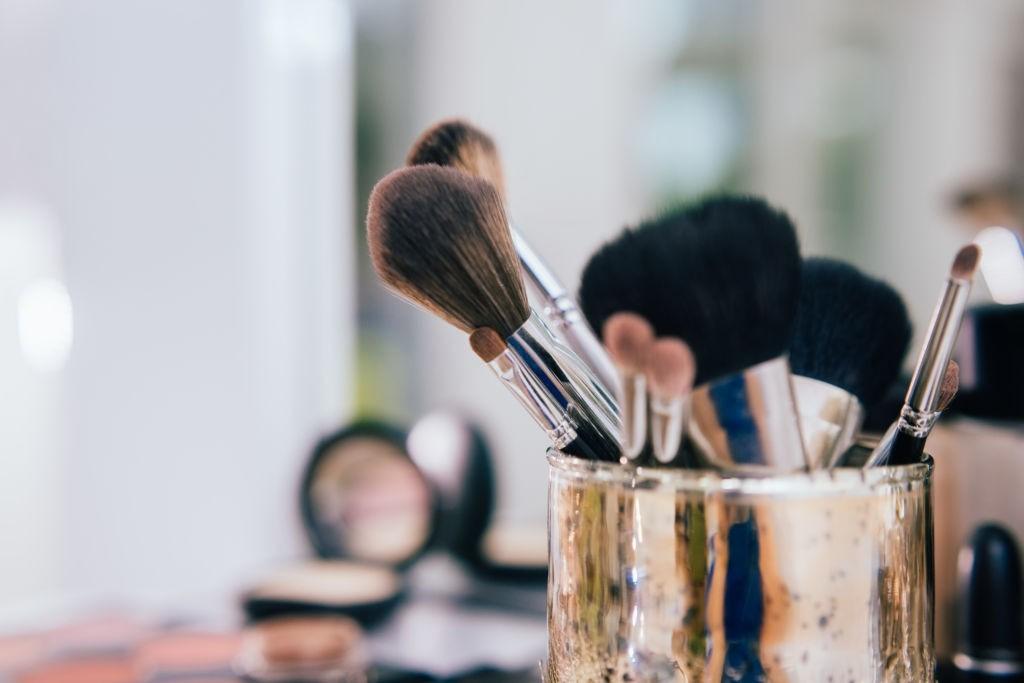 تمیز کردن براش آرایشی