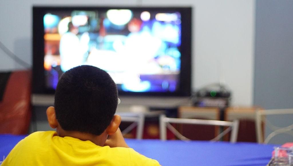 عوارض اعتیاد به تلویزیون