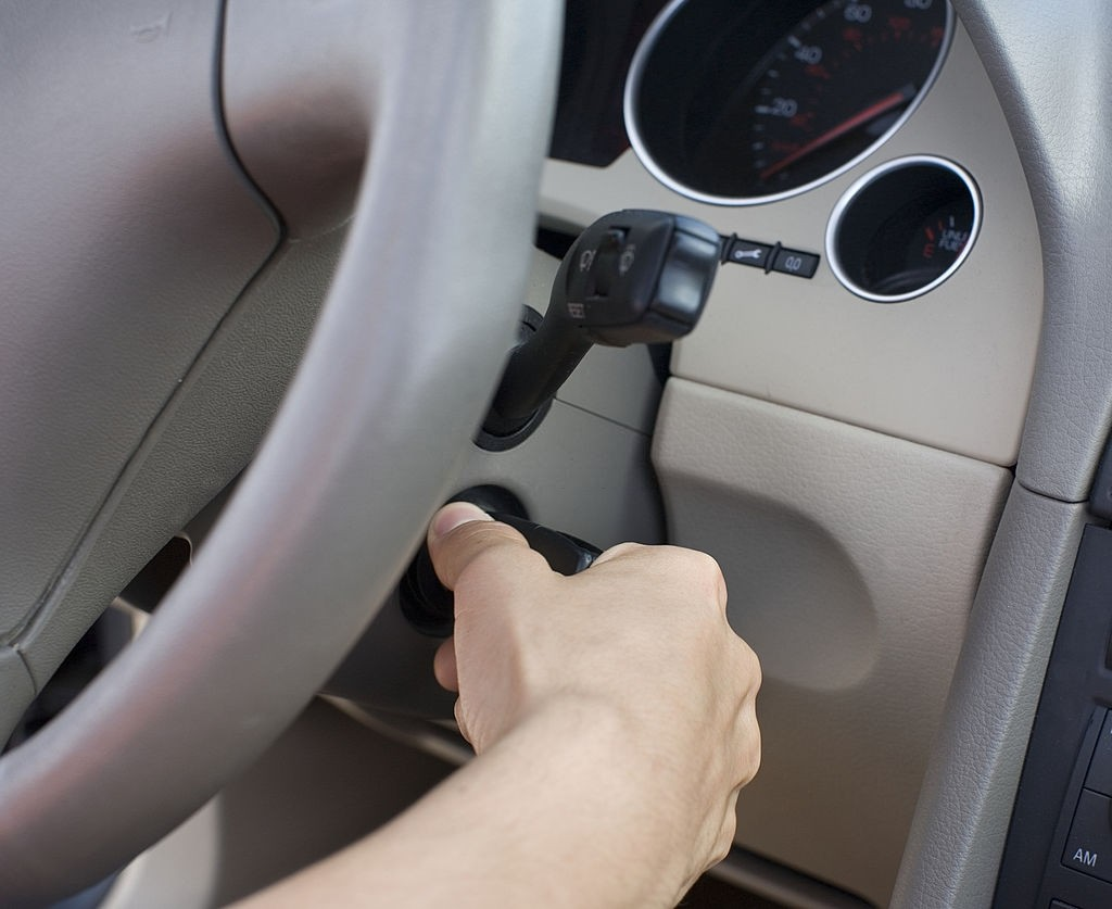 علت روشن نشدن خودرو