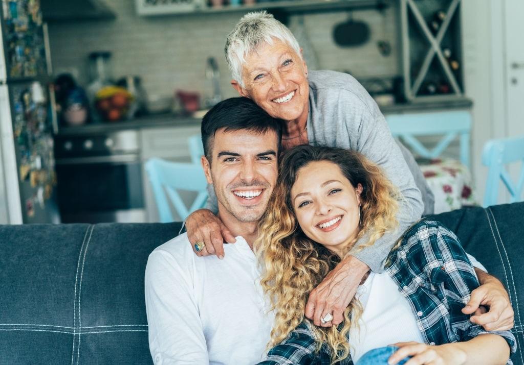 آداب رفتار با خانواده همسر در دوران نامزدی