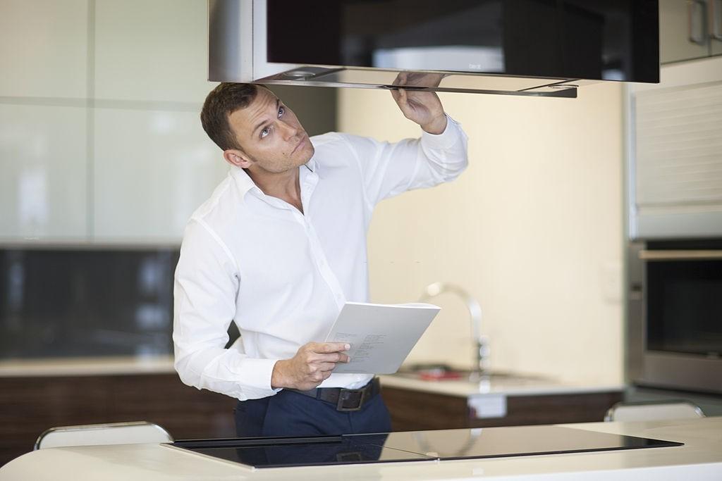 رفع مشکل کار نکردن صفحه لمسی هود آشپزخانه