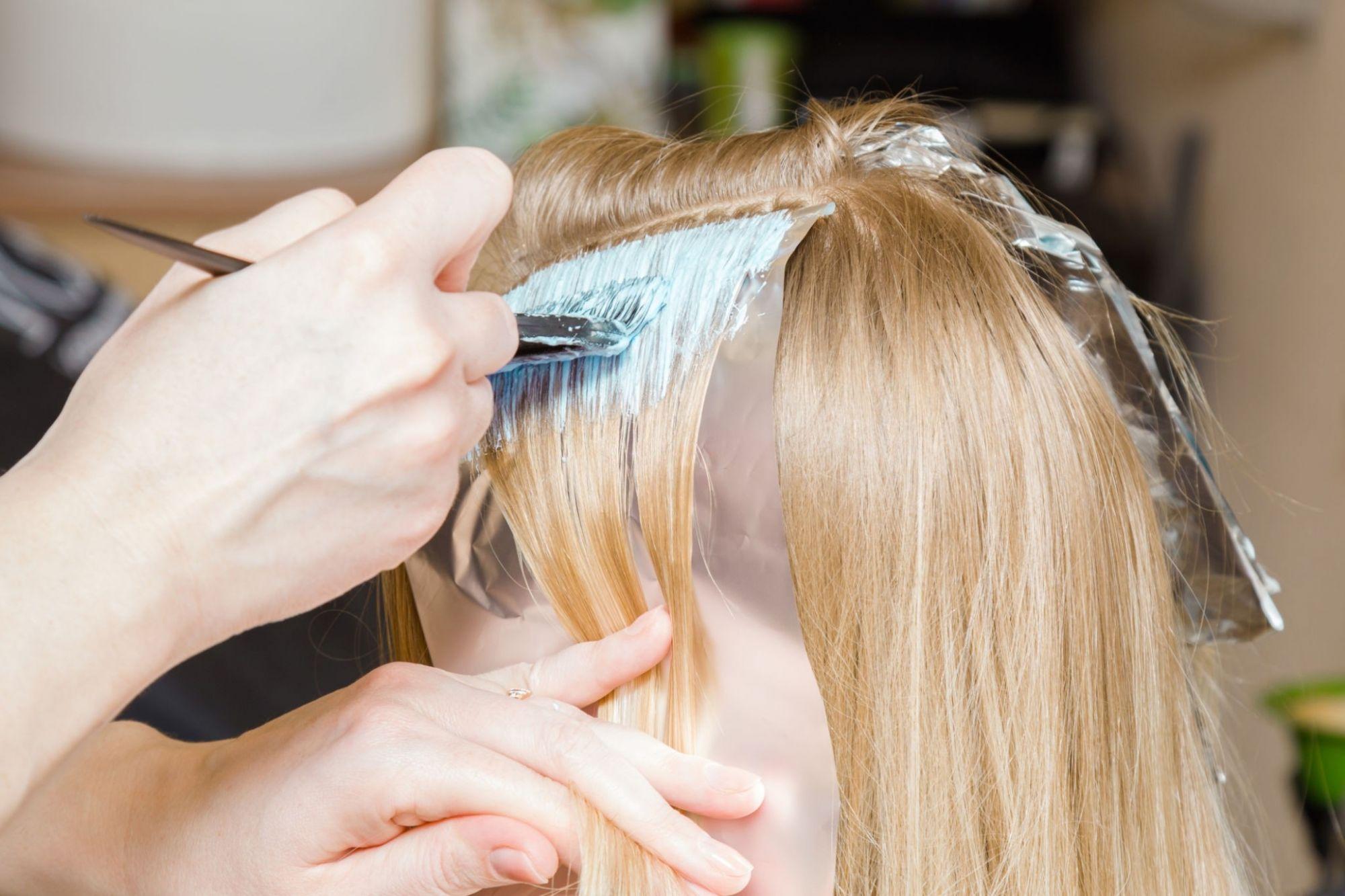 هر آنچه باید در مورد رنگساژ مو باید بدانید