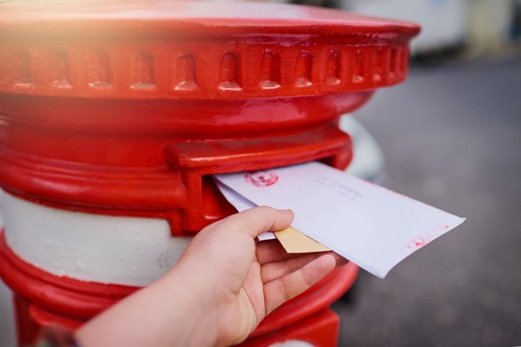 تفاوتهای پست عادی، سفارشی و پیشتاز
