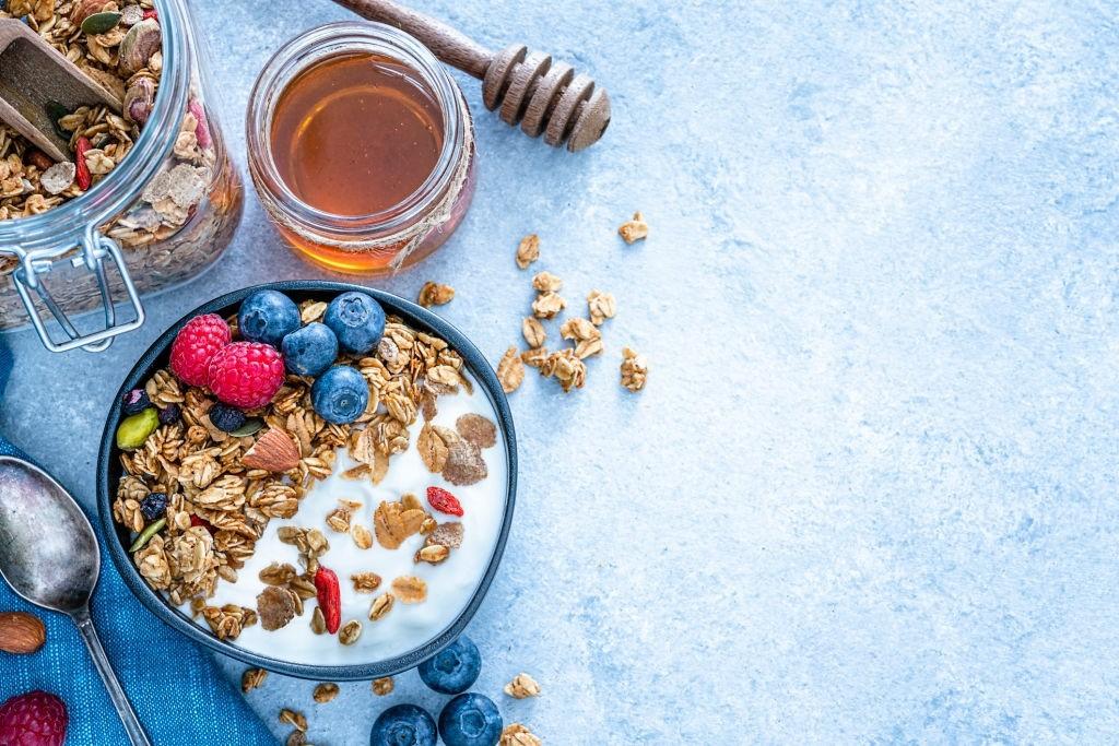 طرز تهیه اوتمیل رژیمی؛ یک صبحانهی مقوی و سیر کننده