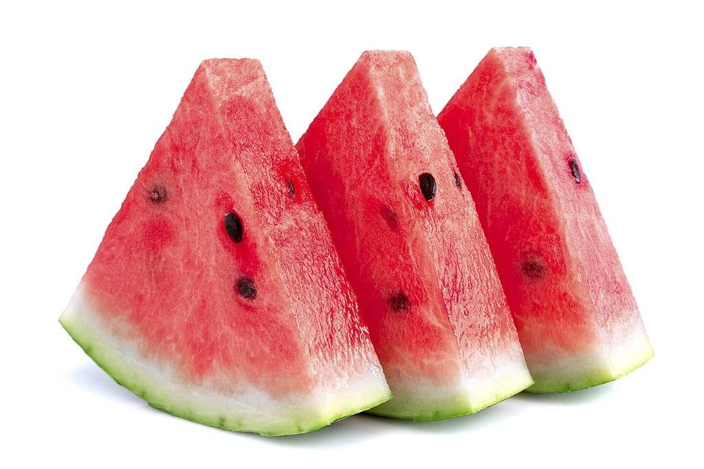 یک قاچ هندوانه چقدر کالری دارد؟