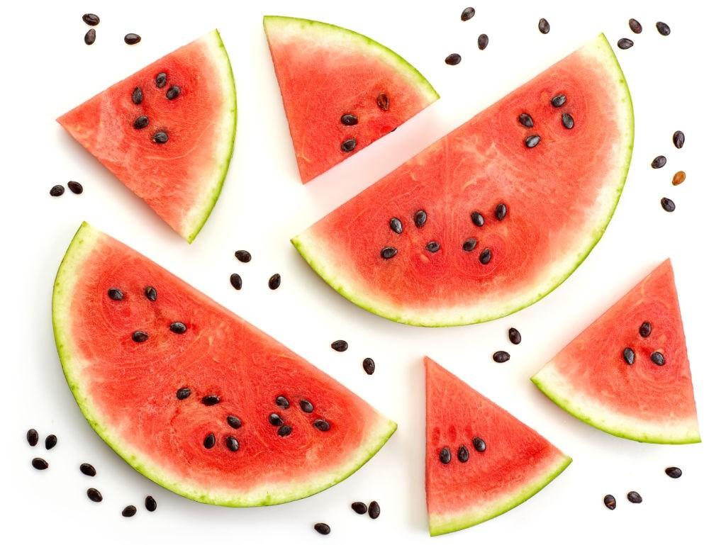کالری هندوانه چقدر است   یک برش هندوانه چند کالری دارد