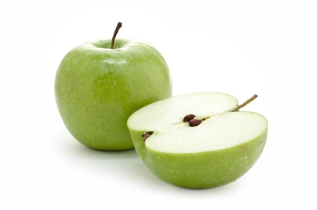 یک عدد سیب چند کالری دارد؟