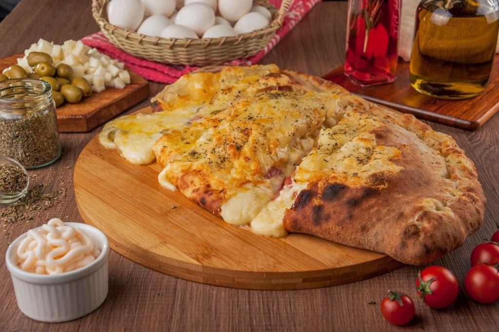 استرامبولی یک غذای ایتالیایی