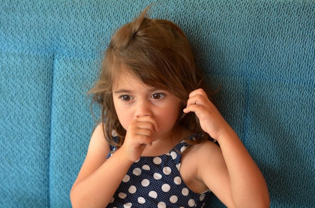 تشخیص مکیدن زبان در کودکان