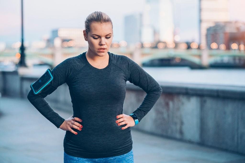 عوارض ورزش کردن با شکم پر