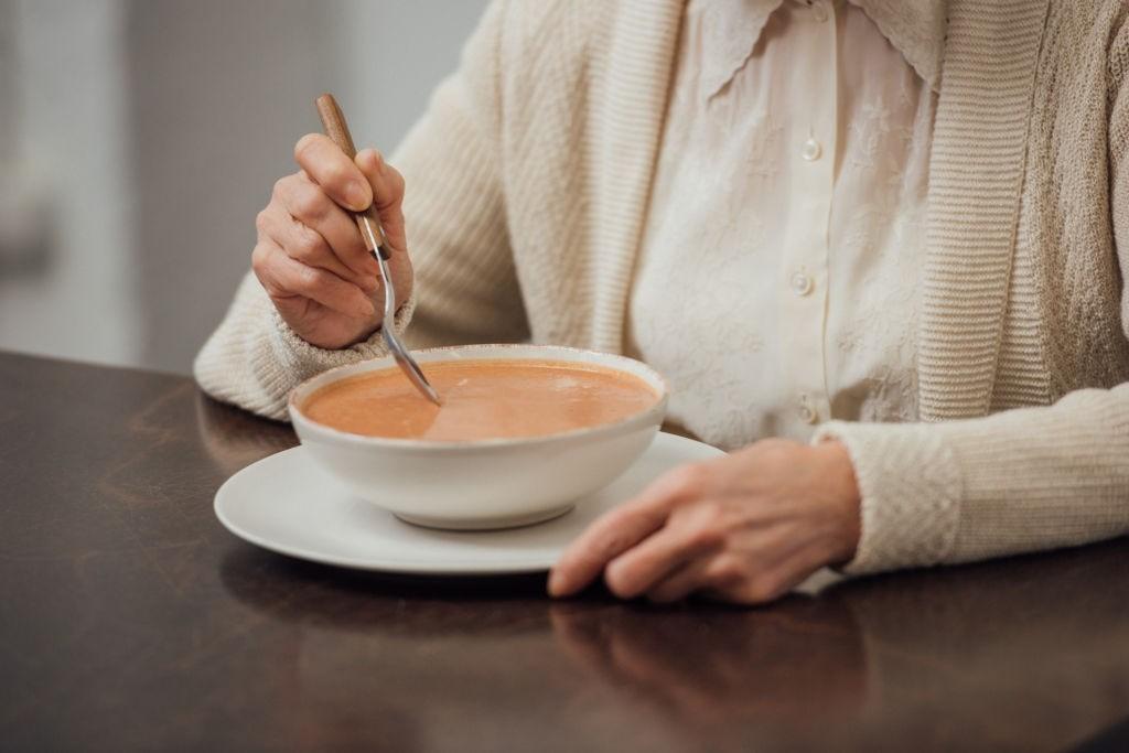 با رژیم سوپ به راحتی وزن کم کنید