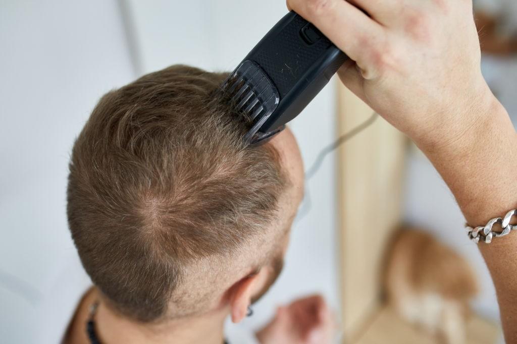 نحوه کوتاهی موی مردانه با ماشین موزر