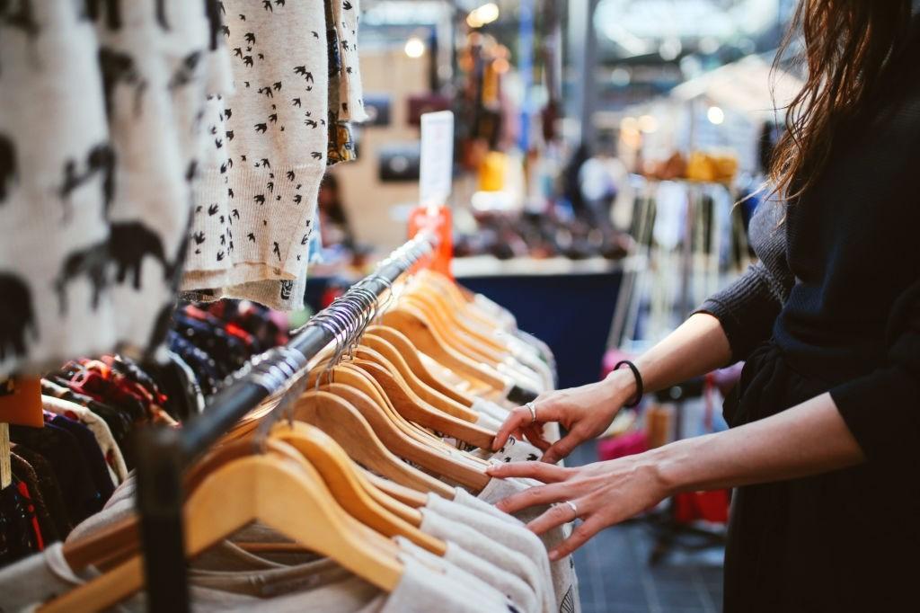 علت بو بد لباس های استوک و تاناکورا