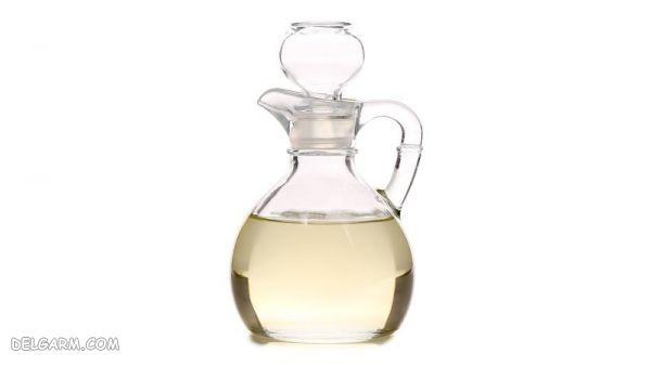 پاک کردن لکه عطر با کمک آب و جوش شیرین