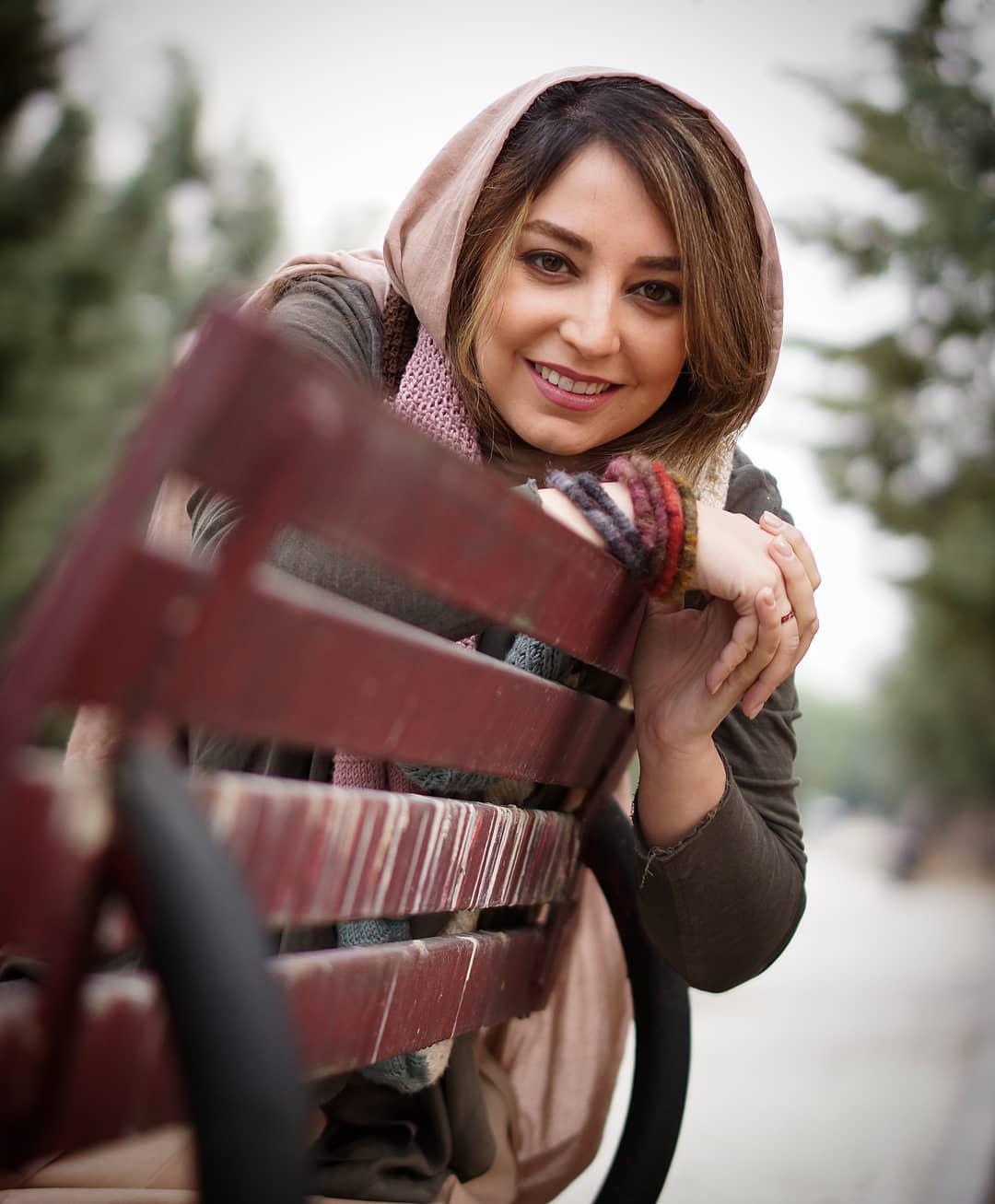 بیوگرافی شیرین صمدی مجری، زندگینامه شیرین صمدی و همسرش، عکس های شیرین صمدی