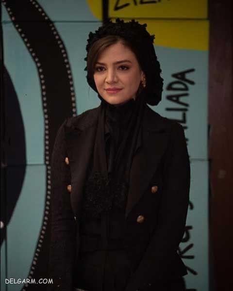 بیوگرافی آوا دارویت ، بازیگر ایرانی ایتالیایی
