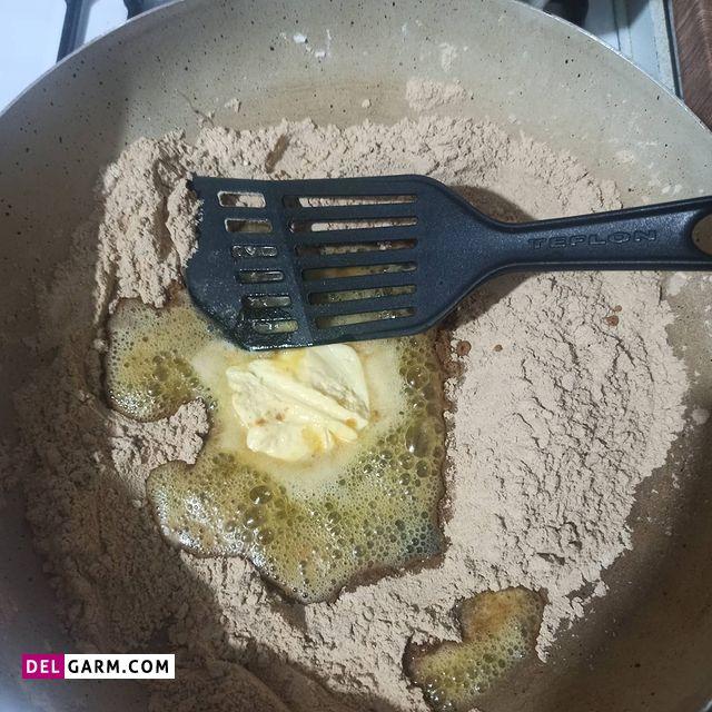 طرز تهیه حلوا با آرد نخودچی