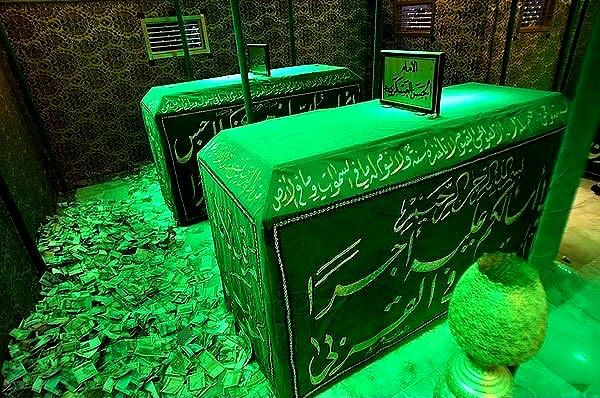 عکس از قبر امام حسن عسکری