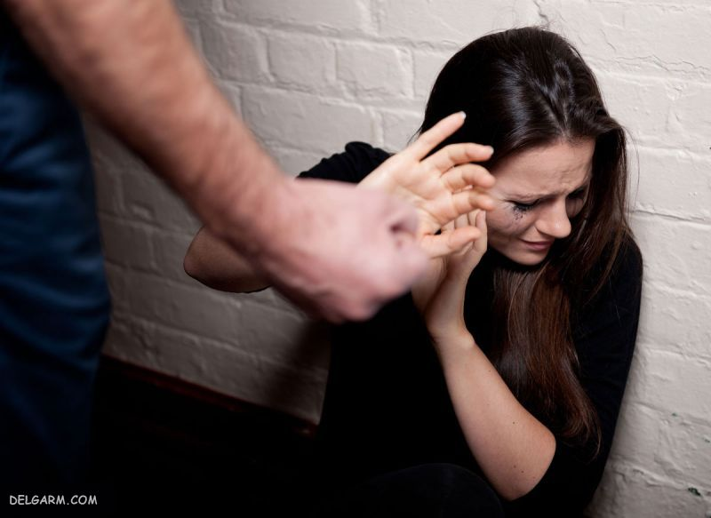کتک خوردن یک زن از شوهرش