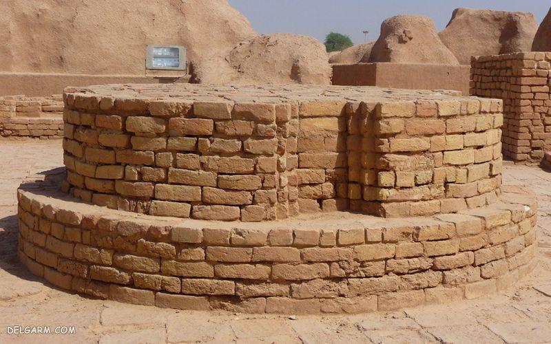 معبد چغازنبیل چه بخش هایی دارد