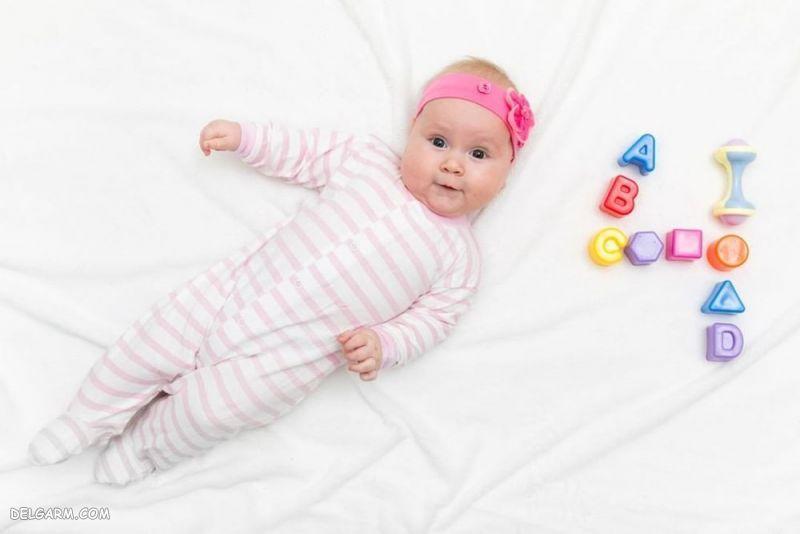 رشد نوزاد چهار ماهه