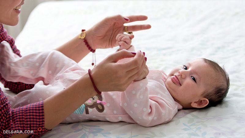 توانایی های کودک 6 ماهه