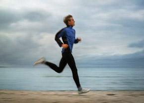 آیا دویدن با شکم خالی به لاغر شدن کمک میکند؟