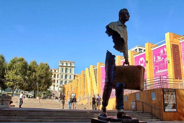 شاهکار برونو کاتالانو در مارسی - عکس