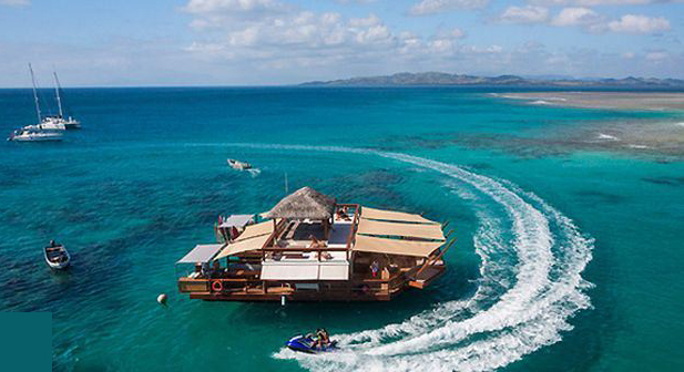 رستوران معلق در آب  ؛جزایر فیجی !