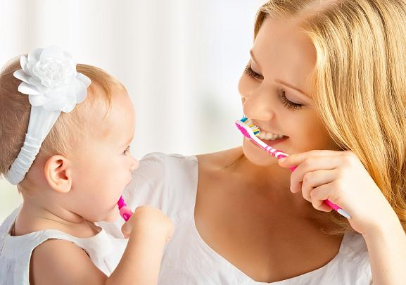 راهکارهایی برای تشویق کودکان به مسواک زدن
